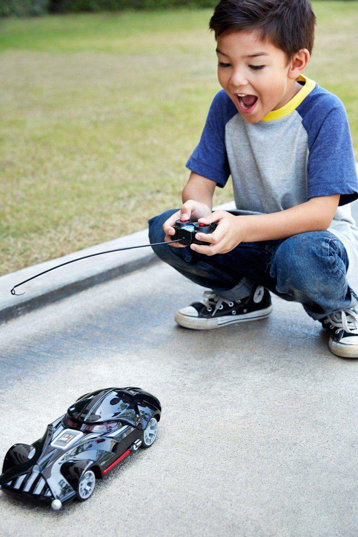ما هي الألعاب المناسبة للطفل من سن خمسة أعوام إلي سبعة أعوام؟