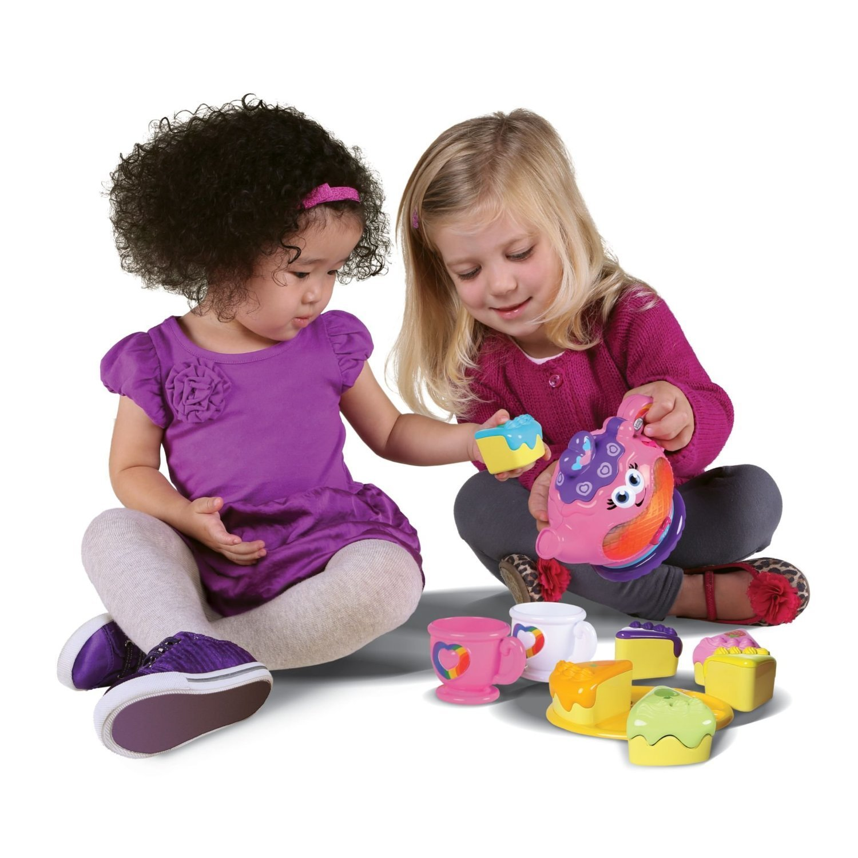 ما هي الألعاب المناسبة للطفل من سن عامين إلي ثلاثة أعوام؟